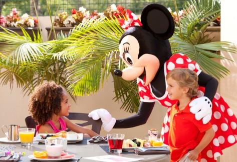 16 - Disney Character Breakfast - Covington Mill